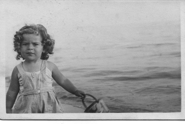 Nell'immagine la piccola Sissel Emilia Vogelmann (1935-1944), deportata coi genitori ad Auschwitz-Birkenau e uccisa nelle camere a gas. © Per gentile concessione della famiglia Vogelmann